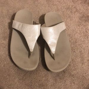 Women's size 9 fit flop